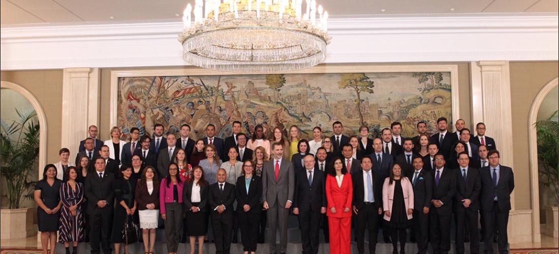 S.M. El Rey Don Felipe VI recibe a los participantes de la Escuela Iberoamericana de Liderazgo, EILx