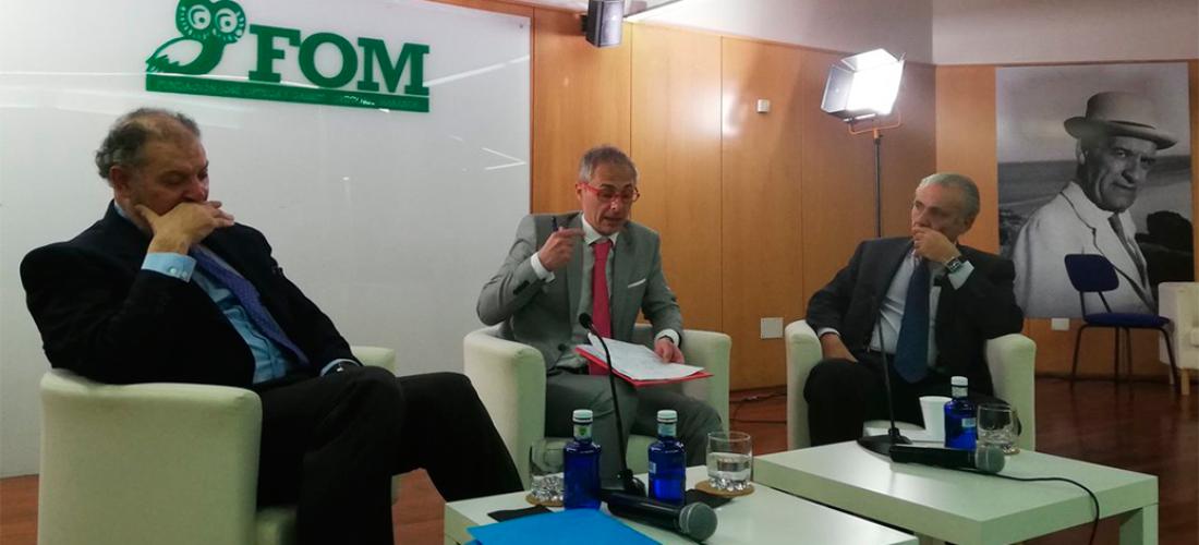 El rector de la Universidad de Salamanca abordó la innovación tecnológica en la Universidad en un foro organizado por la Fundación Ortega-Marañón